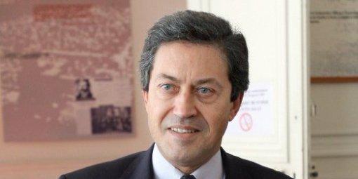 georges-fenech-se-rendra-le-21-decembre-2012-a-bugarach-pour_492362_510x255